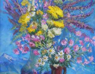 Полевые цветы на голубом фоне