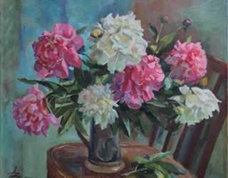 Натюрморт с белыми и розовыми пионами
