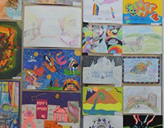 Выставка учащихся СОШ КРСУ в Доме-музее О.Мануйловой в Бишкеке